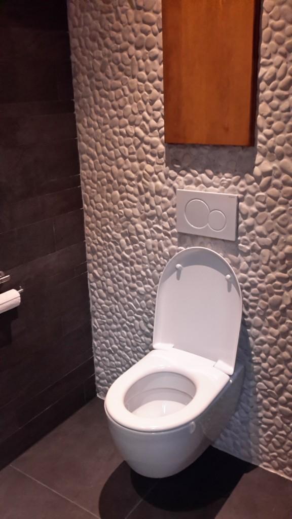 Luxe toilet met uniek design van der broek koerts for Commode design luxe