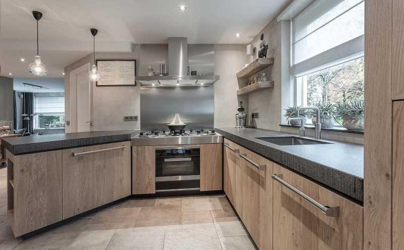 Nieuwe luxe keuken in woonhuis boerderij van der broek koerts - Decoratie design keuken ...